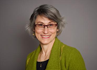 Headshot of Miriam Diamond