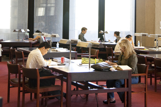 Students studying in Robarts Library