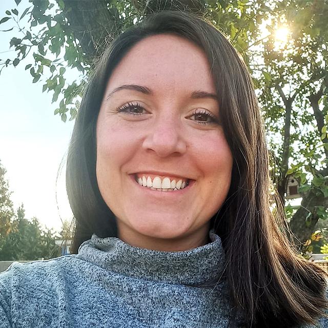 Samantha Caetano.