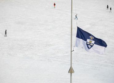 U of T flag flies at half-mast