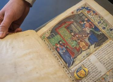 U of T Libraries acquired a manuscript of Le Livre de Paix (The Book of Peace) by Christine de Pizan, which dates back to 1470. She has been described as one of the earliest feminists.